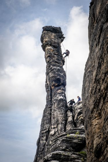 Sport climbing on solitary rock needles